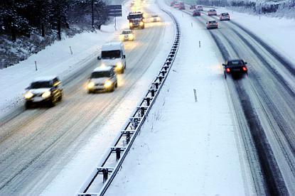 topdrukte-bij-kwik-fit-garages-door-sneeuw