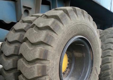 Magna Tyres, havenband, kraan
